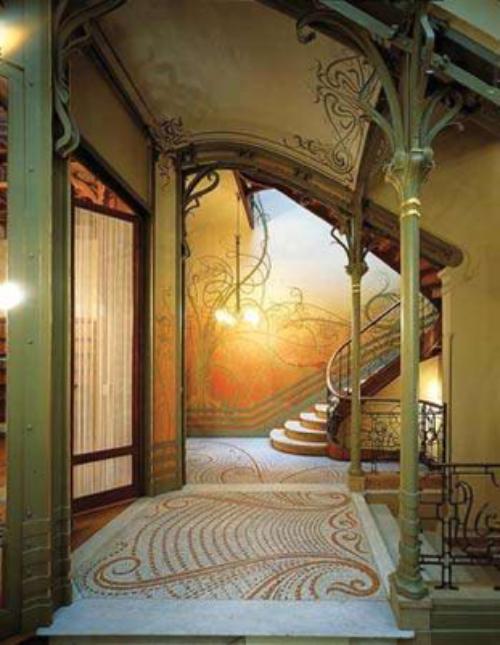 タッセル邸の階段