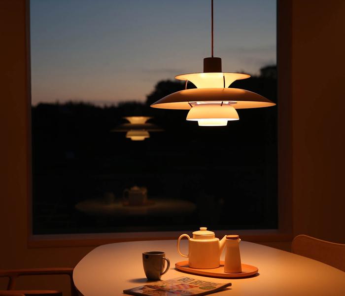 北欧照明のぬくもりあるライト